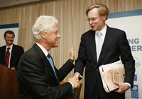 Former United States President Bill Clinton and World Bank President Robert Zoellick.