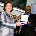 FAO Director-General confers World Food Day Medal on H.E. Suzanne Mubarak