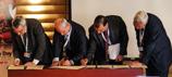 CBD Executive Secretary Braulio Ferreira de Souza Dias, Robert Nasi, CGIAR, Ravi Prabhu, ICRAF and Pablo Eyzaguirre, Bioversity, sign MOUs for agroforestry partnerships.