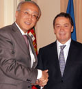 L-R: IEA Executive Director Nobuo Tanaka with the Portuguese Minister for Economy and Industry, Mr. Manuel Pinho
